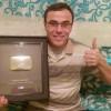 Aissaoui Nourredine un profs de maths récompensé par une armure d'argent offerte par Youtube