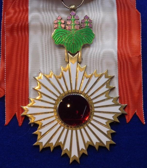 Pr. Nasreddine Berrached décoré de l'Ordre du Soleil Levant du Gouvernement du Japon